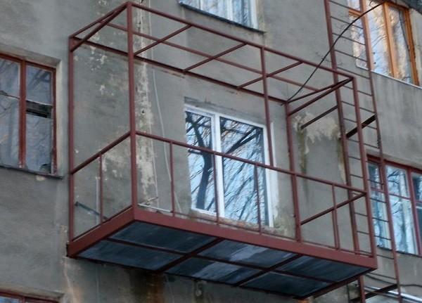 вариант усиления балконной плиты