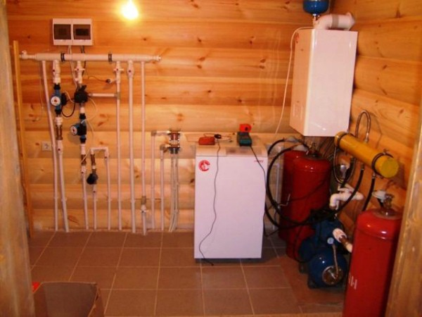 Оборудование для системы отопления частного дома газовыми баллонами