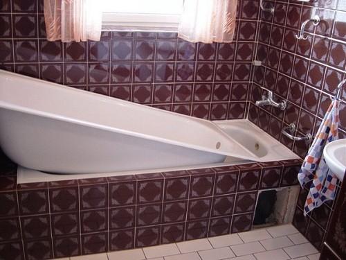Акриловый вкладыш у ванну