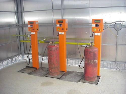 Устройство заправки газовых баллонов