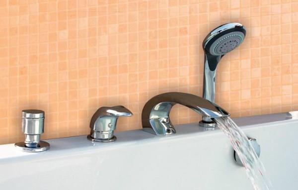 Смеситель на борт ванной с душем