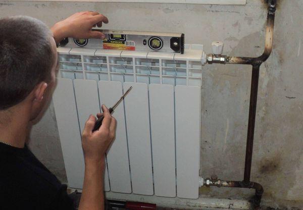монтаж батарей отопления в доме