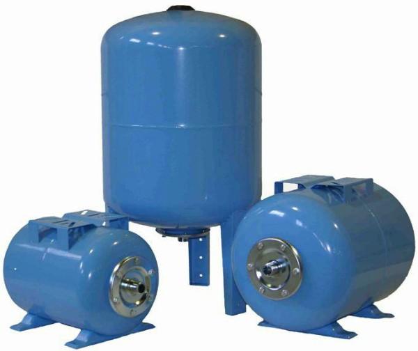 Вертикальный и горизонтальный гидроаккумулятор для системы водоснабжения частного дома