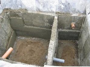 Сливная яма с двойным отстойником