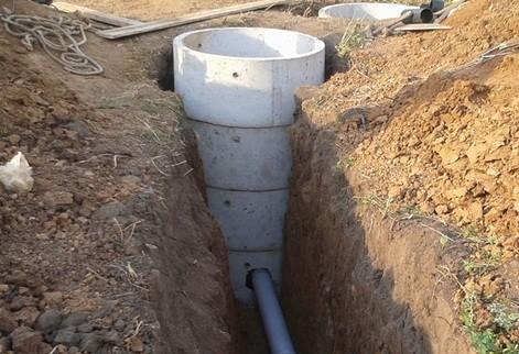 Закапывание канализационных труб