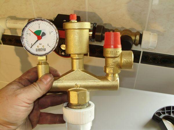 давление на манометре в системе отопления частного дома