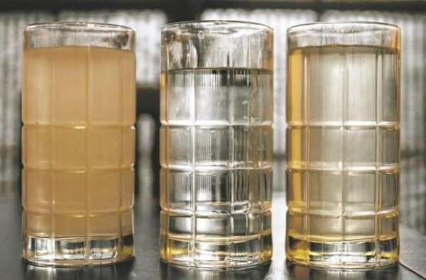 Разные оксиды железа в воде