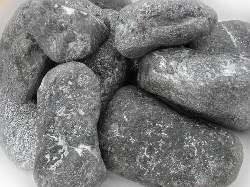 Внешний вид камня хромит