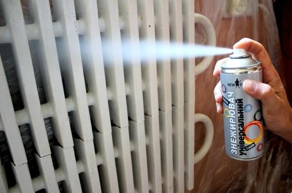 Покраска радиатора отопления балончиком